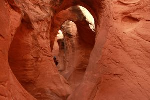 Peek a Boo Slot Canyon - Hiking the Escalanet
