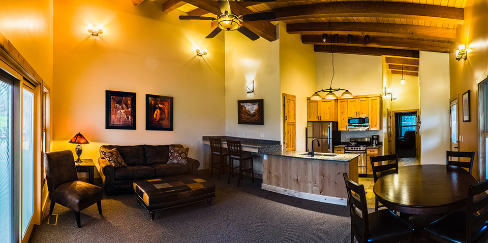 Utah Lodging | Boulder Mountain Lodging Interior